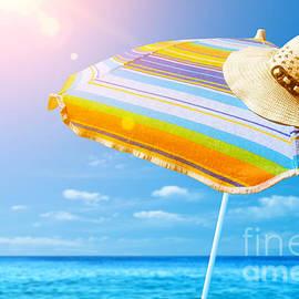 Sunshade and Hat by Carlos Caetano