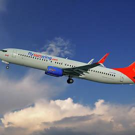 Nichola Denny - Sunwing Airlines Boeing 737-8BK