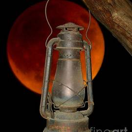Patrick Witz - Eerie Light of an Eclipsed Super-Moon