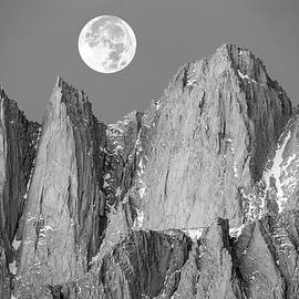 Johnny Adolphson - Supermoon and Mount Whitney.