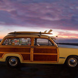 Sandi OReilly - Surfing Woodie Stationwagon