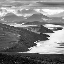 Svartikrokur Flood Plain Iceland 1432 by Bob Neiman
