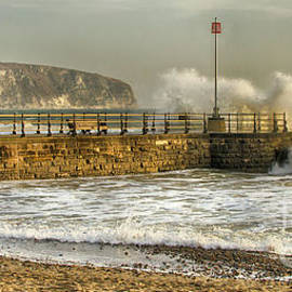 Linsey Williams - Swanage Jetty in Rough Weather