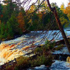 Michael Rucker - Tahquamenon Lower Falls