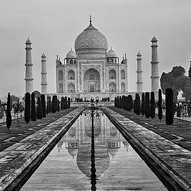 Jacqi Elmslie - Taj Mahal in Black and White