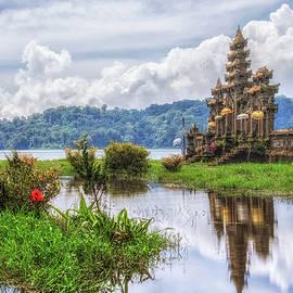 Joana Kruse - Tamblingan Lake - Bali