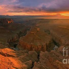 Tatahatso Point, Arizona by Henk Meijer Photography