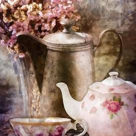 Tea and Grapes by Mo T