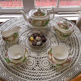 Tea Time by Denise Mazzocco