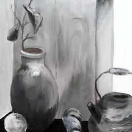 Jamie Frier - Teapot and Vase