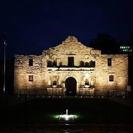 Jennifer Ansier - The Alamo at night