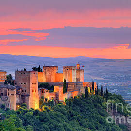 The alhambra Palace and and Granada  by Guido Montanes Castillo