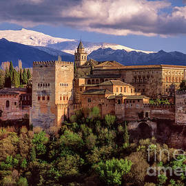 Guido Montanes Castillo - The Alhambra Palace. Sierra Nevada