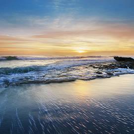 Debra and Dave Vanderlaan - The Beauty of Waves
