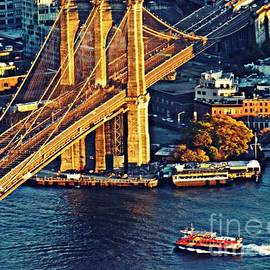 Sarah Loft - The Brooklyn Bridge at Sunset