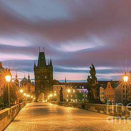 Henk Meijer Photography - The Charles Bridge in Prague at sunrise