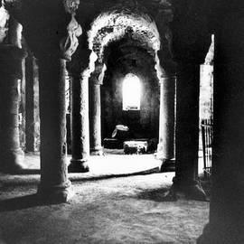 Simon Marsden - The Crypt