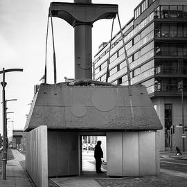 Giuseppe Milo - The Diving Bell - Dublin, Ireland - Black and white street photography