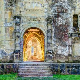 Tomas Mitchell - The Doorway to Adventure