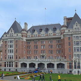 The Empress - Victoria British Columbia - 2 by Charles Robinson