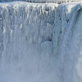 Richard Andrews - The Frozen Edge Of The Horseshoe