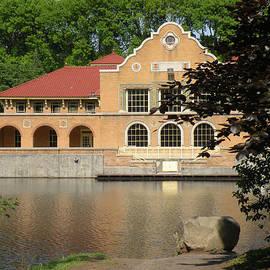 Rosalie Scanlon - The Lake House