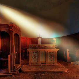 THE LIGHT IN THE ABANDONED CHURCH - La luce nella chiesa abbandonata by Enrico Pelos