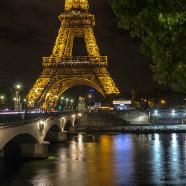 The Lights of Paris - Everet Regal