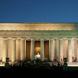 The Lincoln Memorial by Mark Dodd