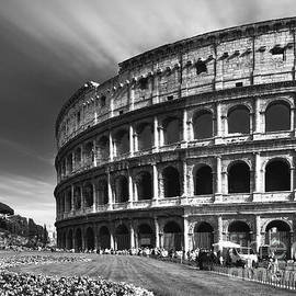 Stefano Senise - The majesty of the Colosseum