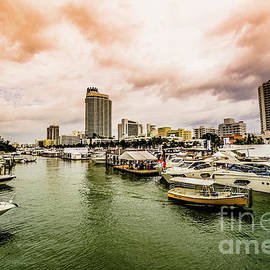Rene Triay Photography - The Miami Beach Annual Boat Show