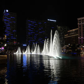 Georgia Mizuleva - The Midnight Show - Bellagio and Cosmopolitan Plus the Famous Fountains
