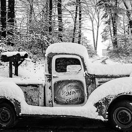 Debra and Dave Vanderlaan - The Moonshiners Black and White
