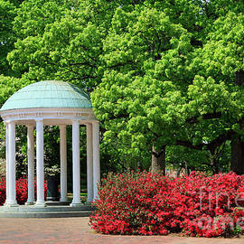 The Old Well On Unc Chapel Hill Campus by Jill Lang