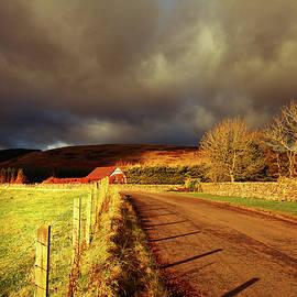 Leonie Christian - The Road Home