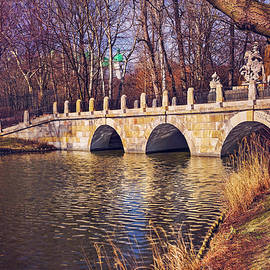 Carol Japp - The Stone Bridge in Lazienki Park Warsaw