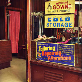 Miriam Danar - The Tailor Shop That Time Forgot