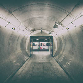 Martin Newman - The Tunnels