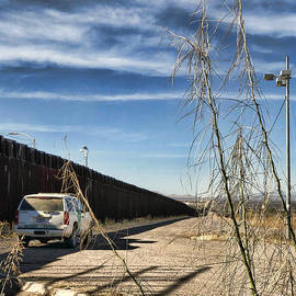 The Wall by Tatiana Travelways
