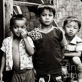 Ethna Gillespie - Three Boys
