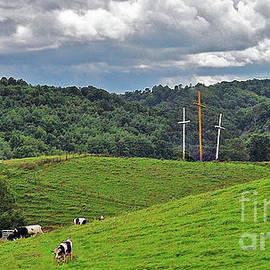 Lydia Holly - Three Crosses on The Farm
