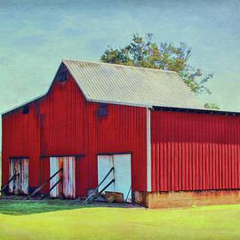 Three Door Barn by Lorraine Baum