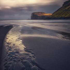 Tjornuvik Beach - Tor-Ivar Naess