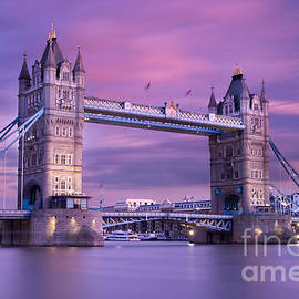 Tower Bridge at dusk by Justin Foulkes