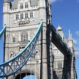 Tower Bridge, London, United Kingdom by Aidan Moran