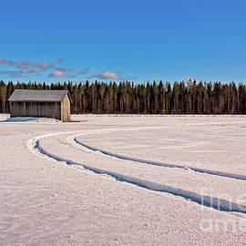 Jukka Heinovirta - Tracks On The Snow