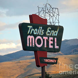 Catherine Sherman - Trails End Motel Sign, Wyoming