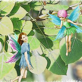 Yuichi Tanabe - Tree Fairies among the Quaking Aspen leaves