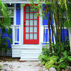 Tropical Home Photography - The Red Door - Sharon Cummings - Sharon Cummings