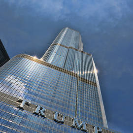Trump International Hotel and Tower - Chicago by Allen Beatty
